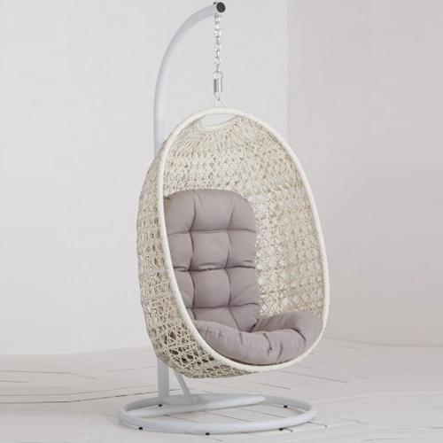 Manifesto-Rovigo-Cocoon-hangstoel