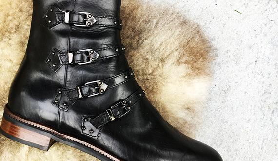 Maripé buckled booties