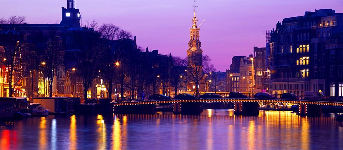 Feestmaand amsterdam dutch design hotel artemis for Design hotel amsterdam