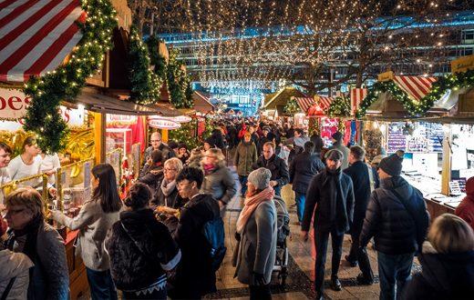 kerstmarkt in berlijn met hotel