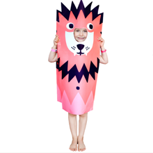 Fun-paper-kid-costume-by-OMY